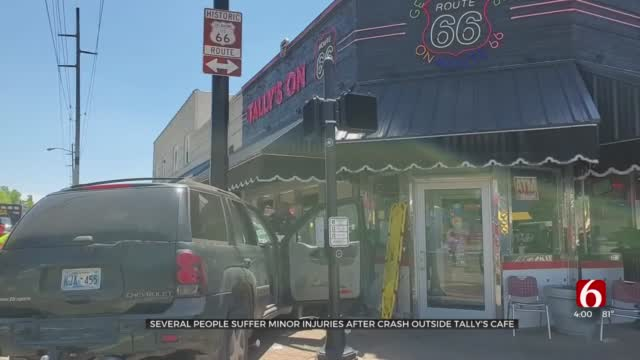 Car Crash Near Tulsa Restaurant's Front Door Causes Scare