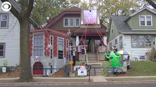 Watch: Milwaukee Home Decked Out For Halloween, Pays Tribute To 'Ghostbusters' Film