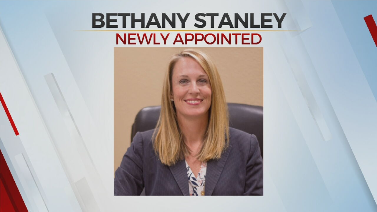 Oklahoma Gov. Stitt Appoints New Associate District Judge In Cleveland County