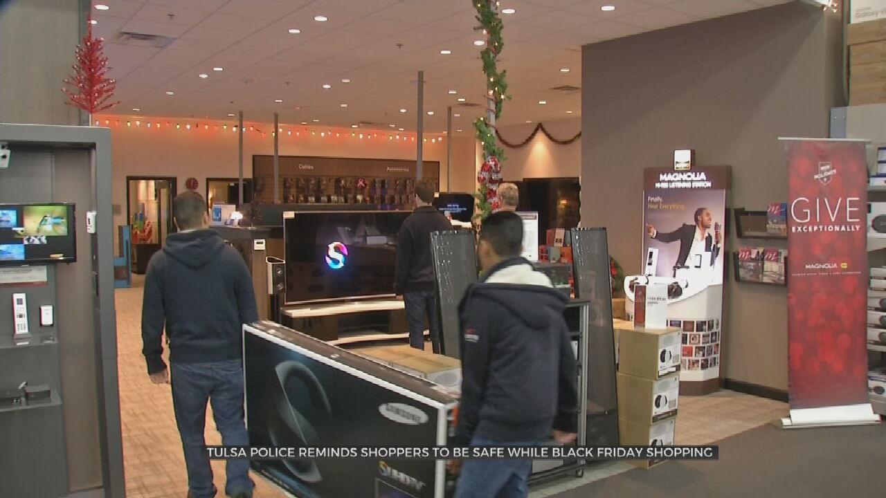 PD Warns Black Friday Shoppers Of Increased Break-In, Theft Risks