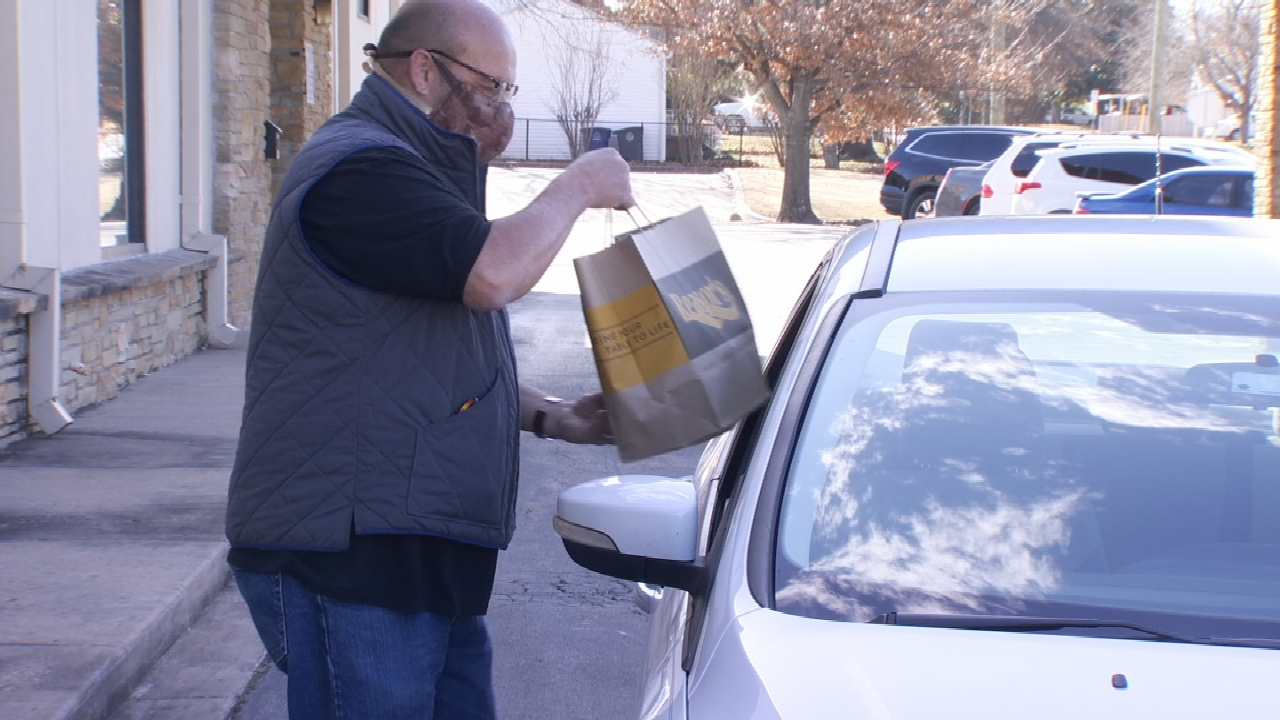 Greater Tulsa Cherokees Distribute Groceries To Those In Need