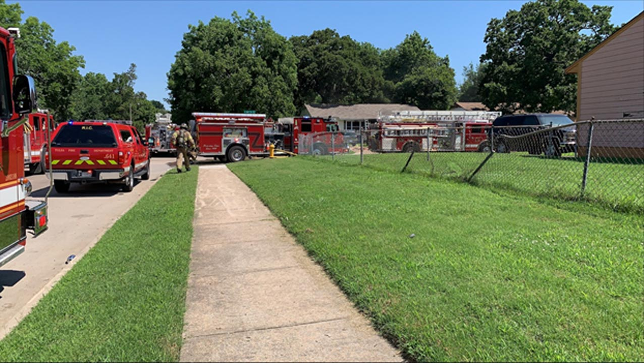 Tulsa Firefighters Report No Injuries After 6 People, 5 Dogs Escape House Fire