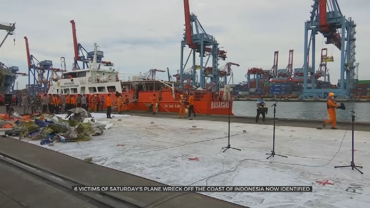 Indonesian Divers Find Parts Of Crashed Plane's Black Box