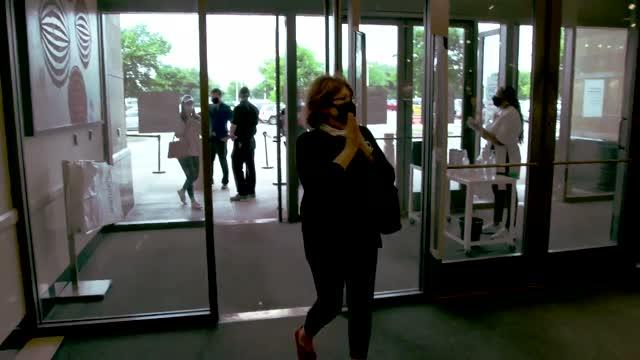 How Stores Are Accommodating Customers In The Era Of Coronavirus