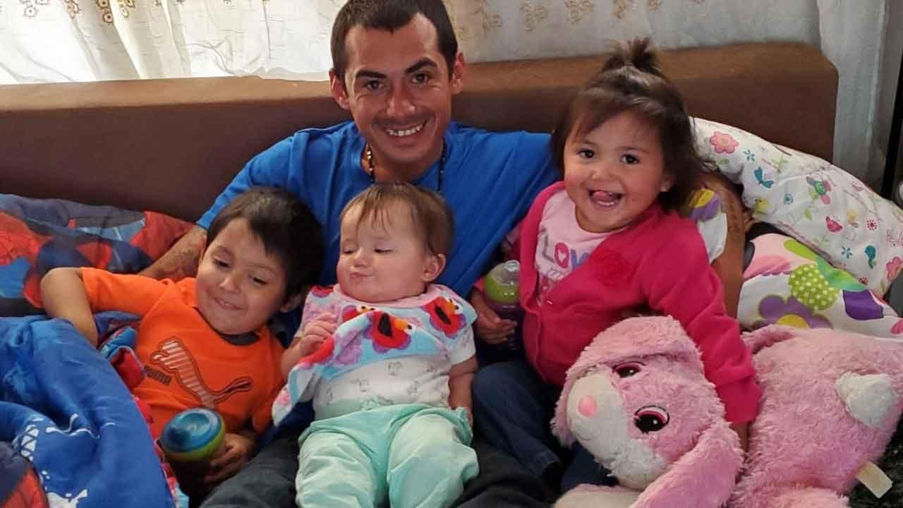 Prague Family Raises Money For 3 Funerals After Children Killed In Arizona