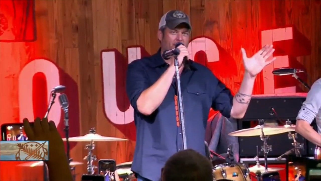 Blake Shelton Draws Tourists To Tishomingo