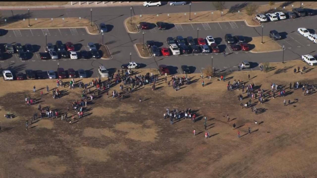 WEB EXTRA: Bob Mills SkyNews 9 Flies Over Evacuation At Southmoore High School