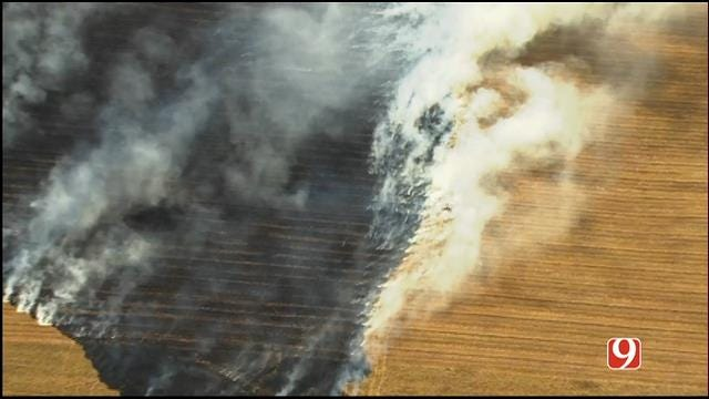 WEB EXTRA: Bob Mills SkyNews 9 Flies Over Grass Fire Near Will Rogers Airport