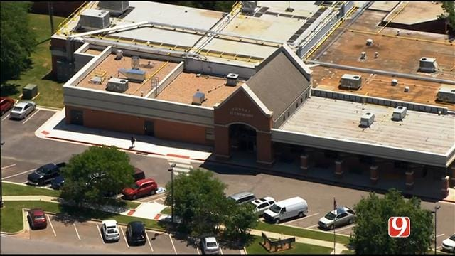 WEB EXTRA: Bob Mills SkyNews 9 Flies Over Edmond School Soft Lockdown