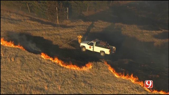 WEB EXTRA: Bob Mills SkyNews 9 HD Flies Over A Large Grass Fire Near Blanchard Part 3