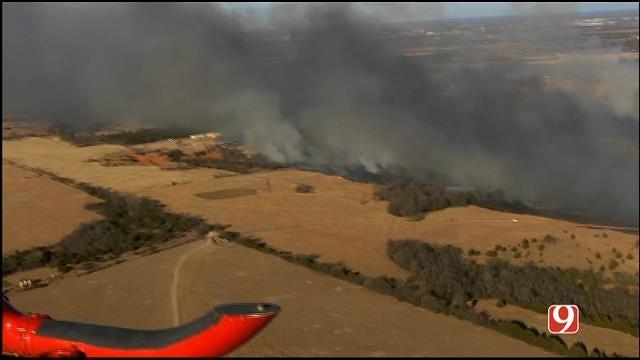 WEB EXTRA: Bob Mills SkyNews 9 HD Flies Over A Large Grass Fire Near Blanchard Part 1