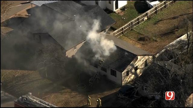 WEB EXTRA: Bob Mills SkyNews 9 HD Flies Over NW OKC House Fire