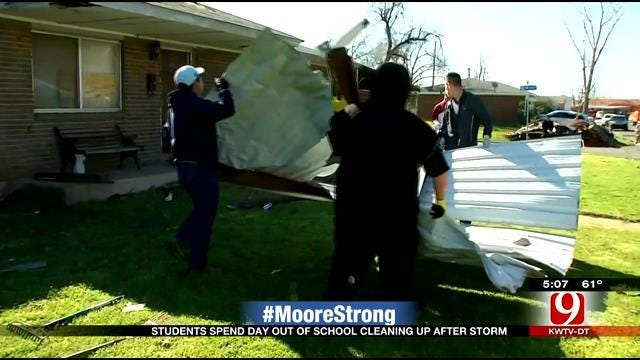 WEB EXTRA: Students Help Clean Up Moore Neighborhood's