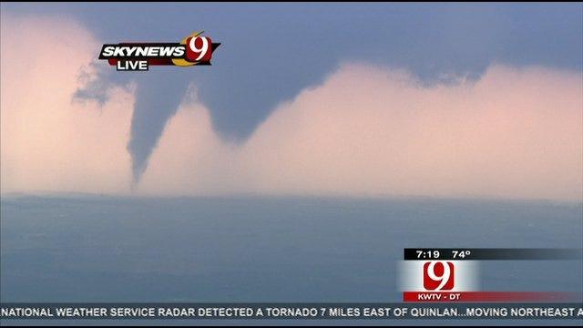 Twin Tornados Form Near Waynoka