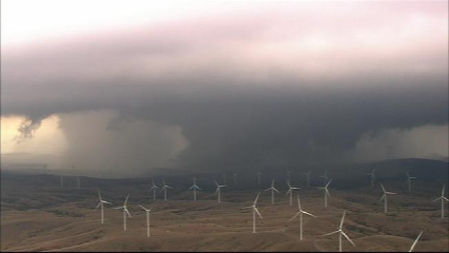 WEB EXTRA: SKYNEWS9 Flies Over Tornadoes, Wind Farm
