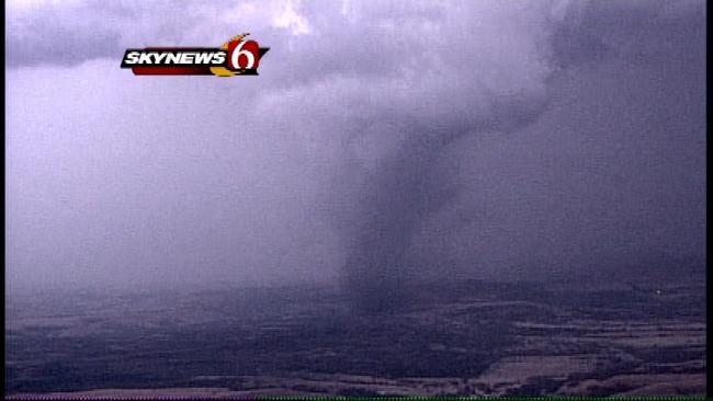 SkyNews6: Follows A Tornado As It Touches Down Near Cedar Vale In SE Kansas