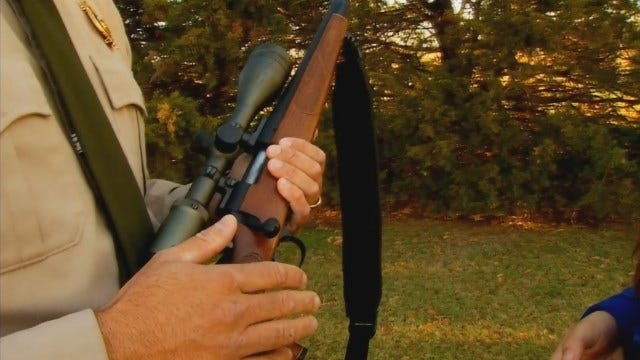 WEB EXTRA: Avoid Injuries When Loading, Unloading Rifle