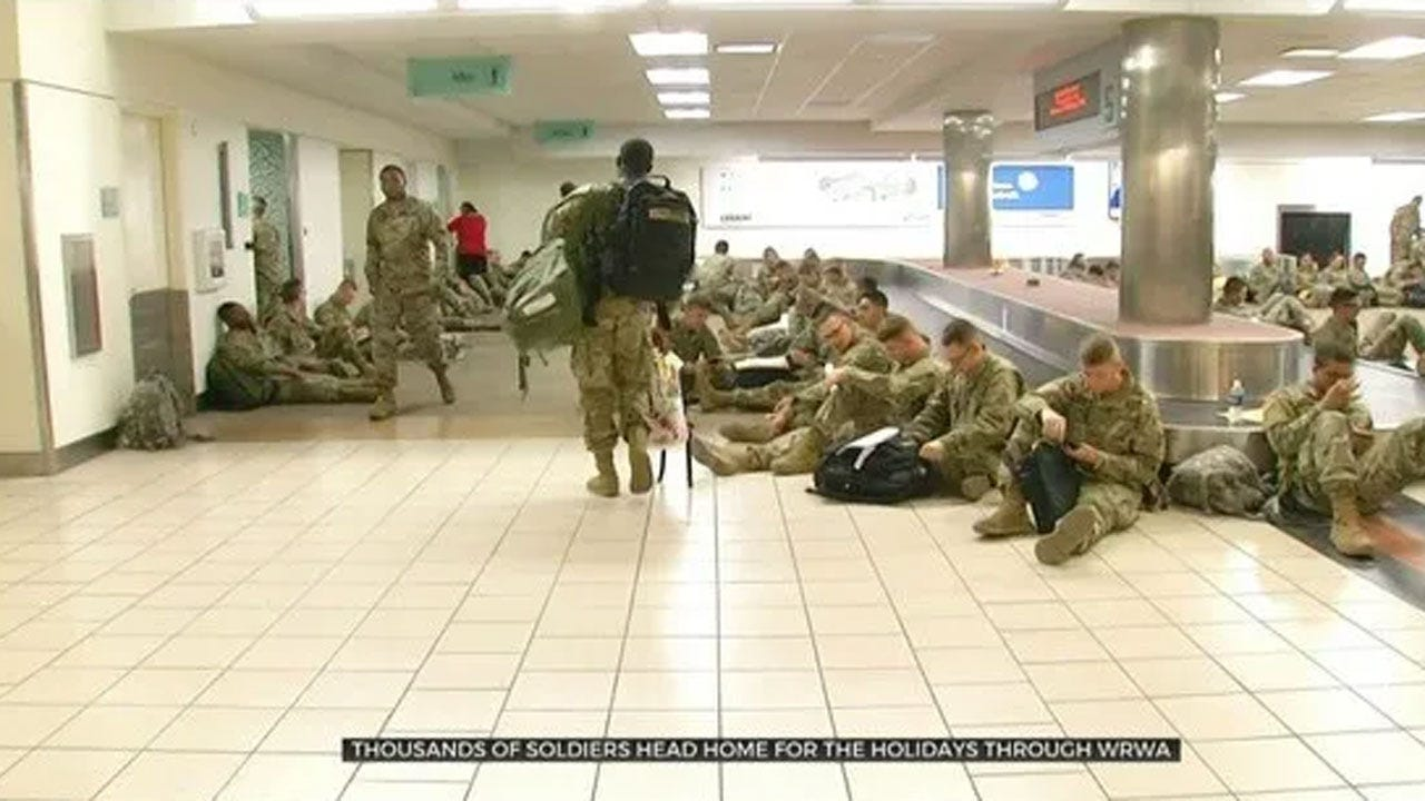 Volunteers Feed Soldiers At WRWA Headed Home For The Holidays