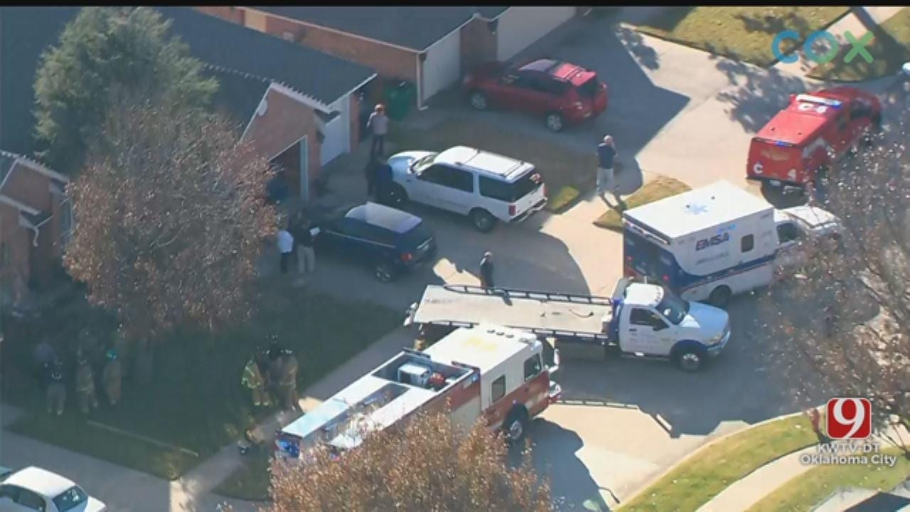 WATCH: Bob Mills SkyNews 9 HD Flies Over Scene After Car Crashes Into NW OKC Home