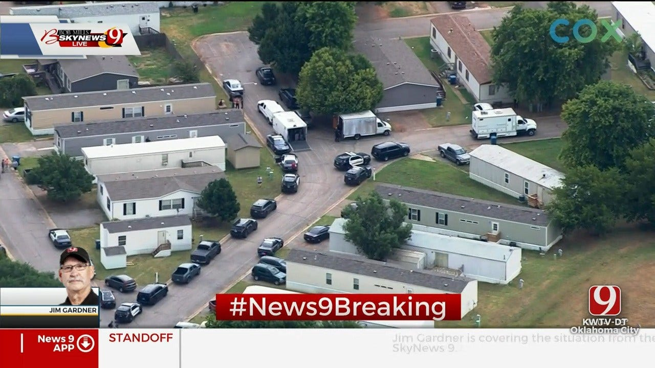 Law Officers Involved In Standoff In Norman Mobile Home Park