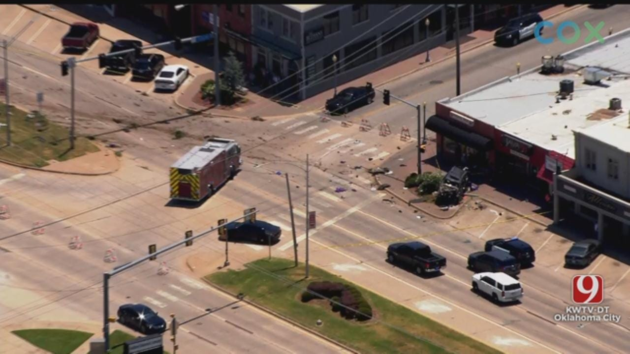 Single Vehicle Rollover Crash Shuts Down Parts Of Northwest 39th Expressway