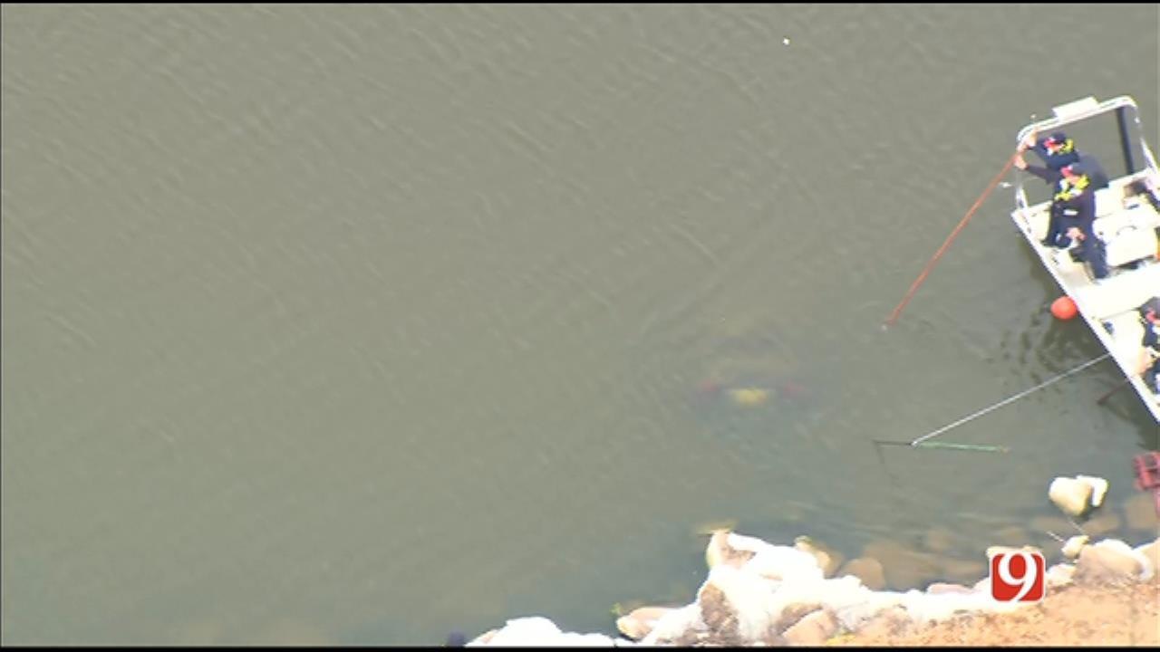 OKC Dive Team Finds Car In Lake Overholser