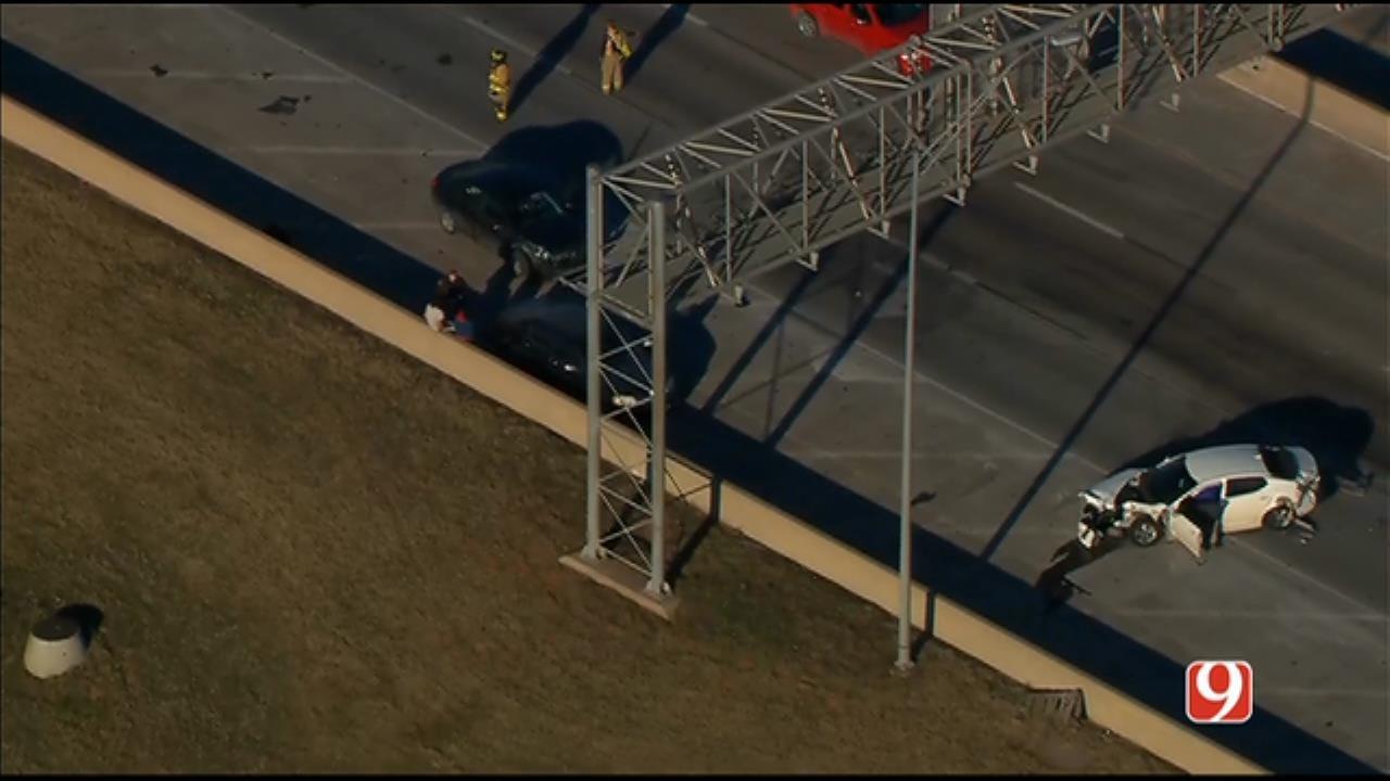 Bob Mills SkyNews 9 Flies Over A Multiple-Vehicle Crash In NE OKC