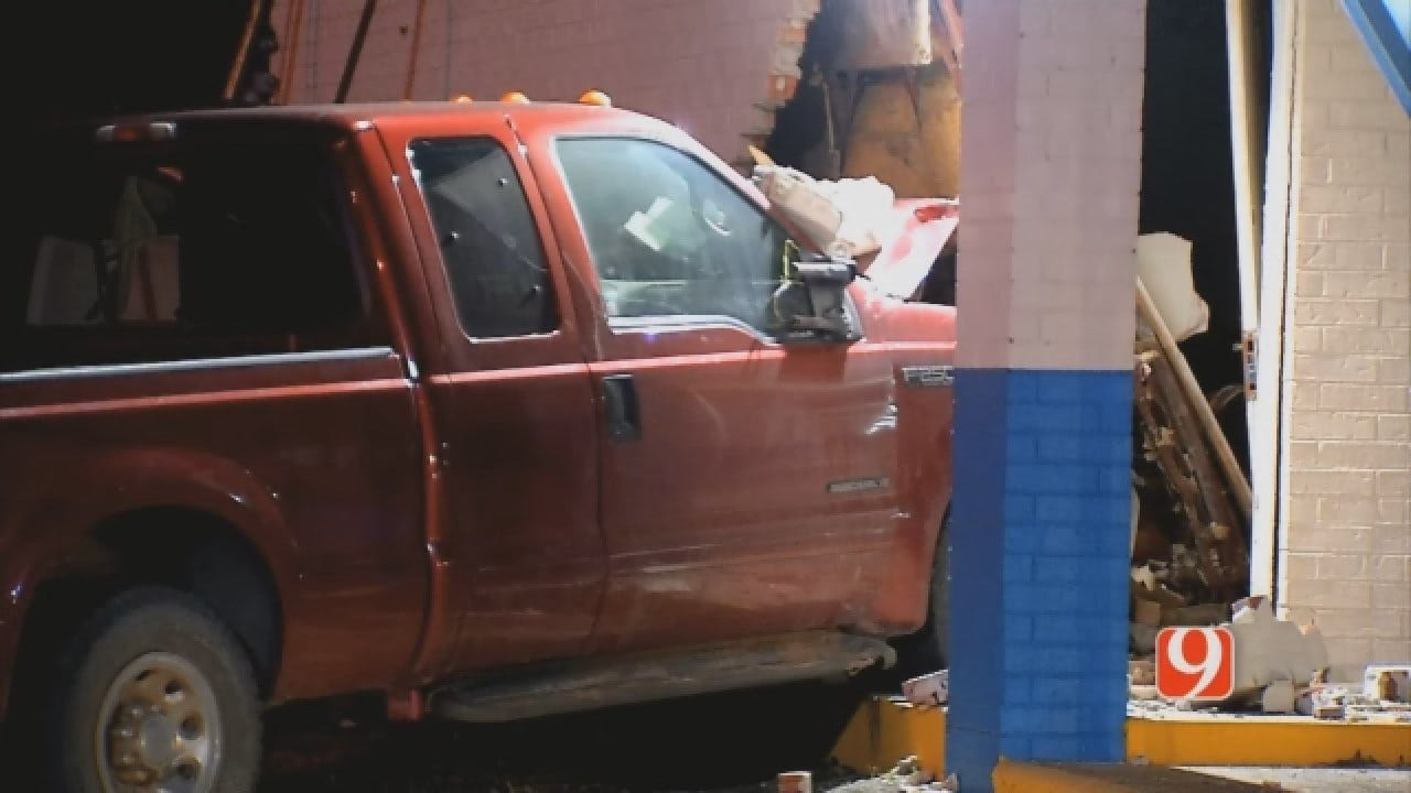 Truck Crashes Into Motel In NE OKC