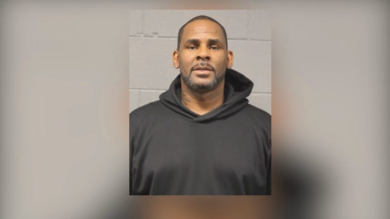 R Kelly Remains In Chicago Jail Because He Can't Afford To Post Bail