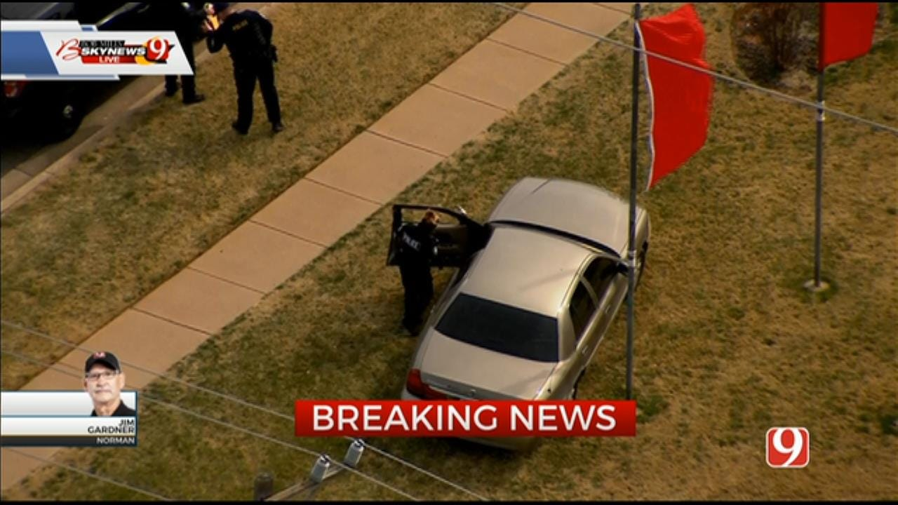 1 In Custody After Pursuit From Valley Brook To Norman