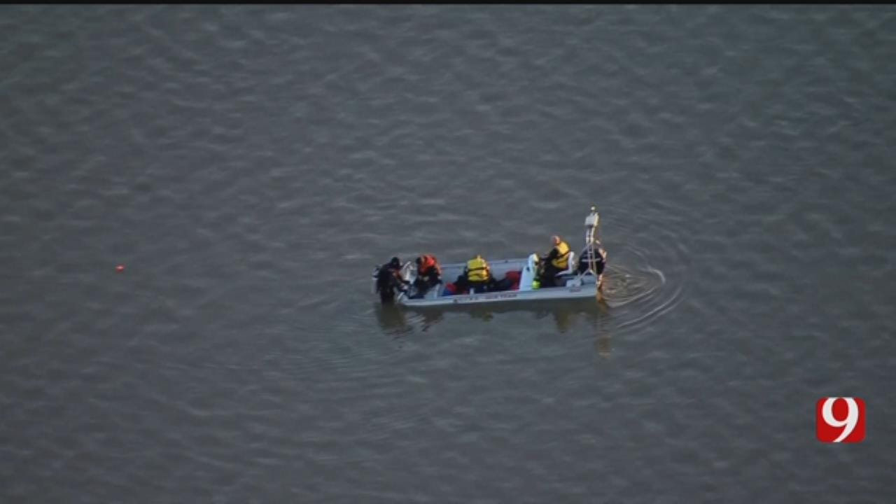 Bob Mills SkyNews 9 Flies Over As Dive Team Responds To Call At Lake Stanley Draper