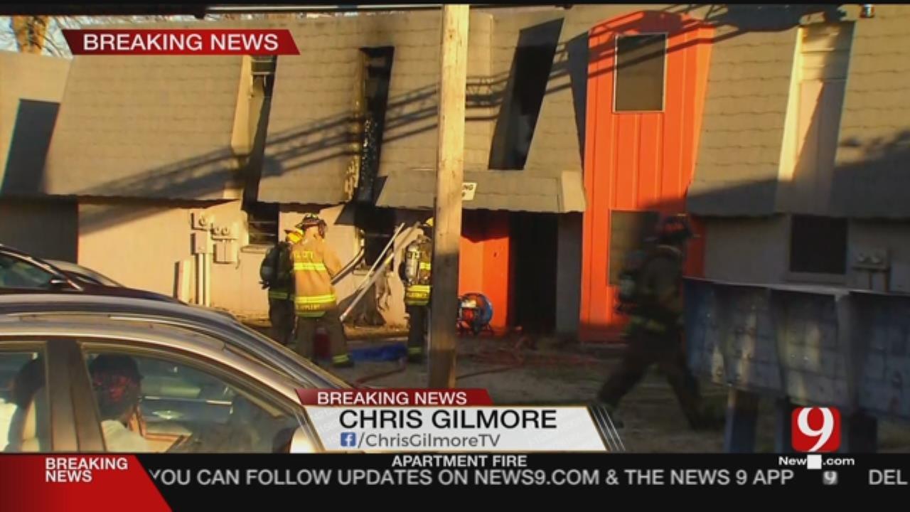 Firefighters Battle Del City Apartment Fire