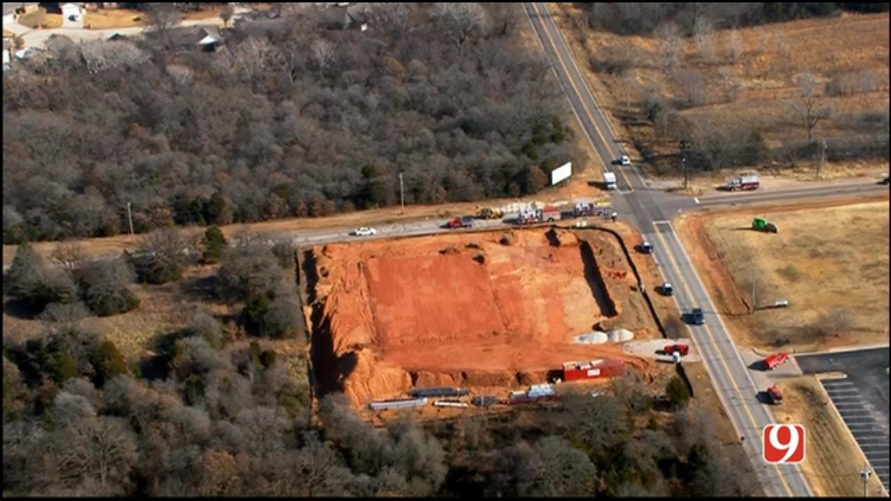 Bob Mills SkyNews 9 Flies Over MWC Construction Accident