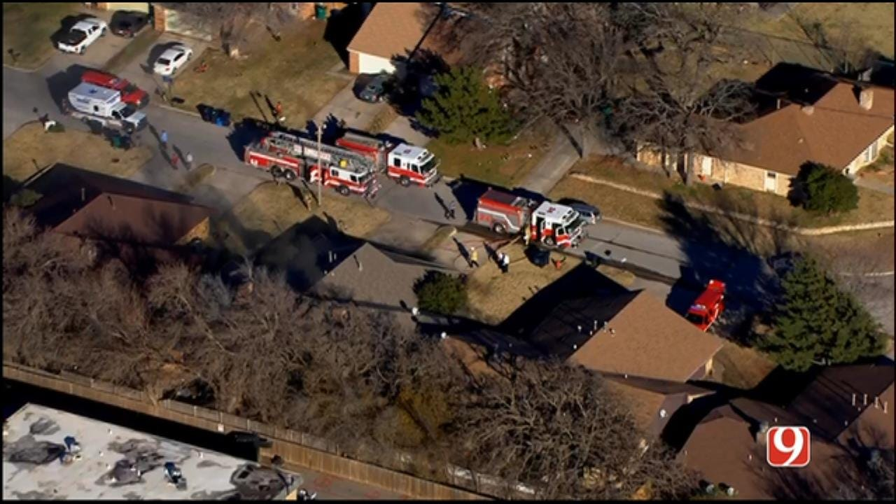 Bob Mills SkyNews 9 Flies Over A NW OKC House Fire