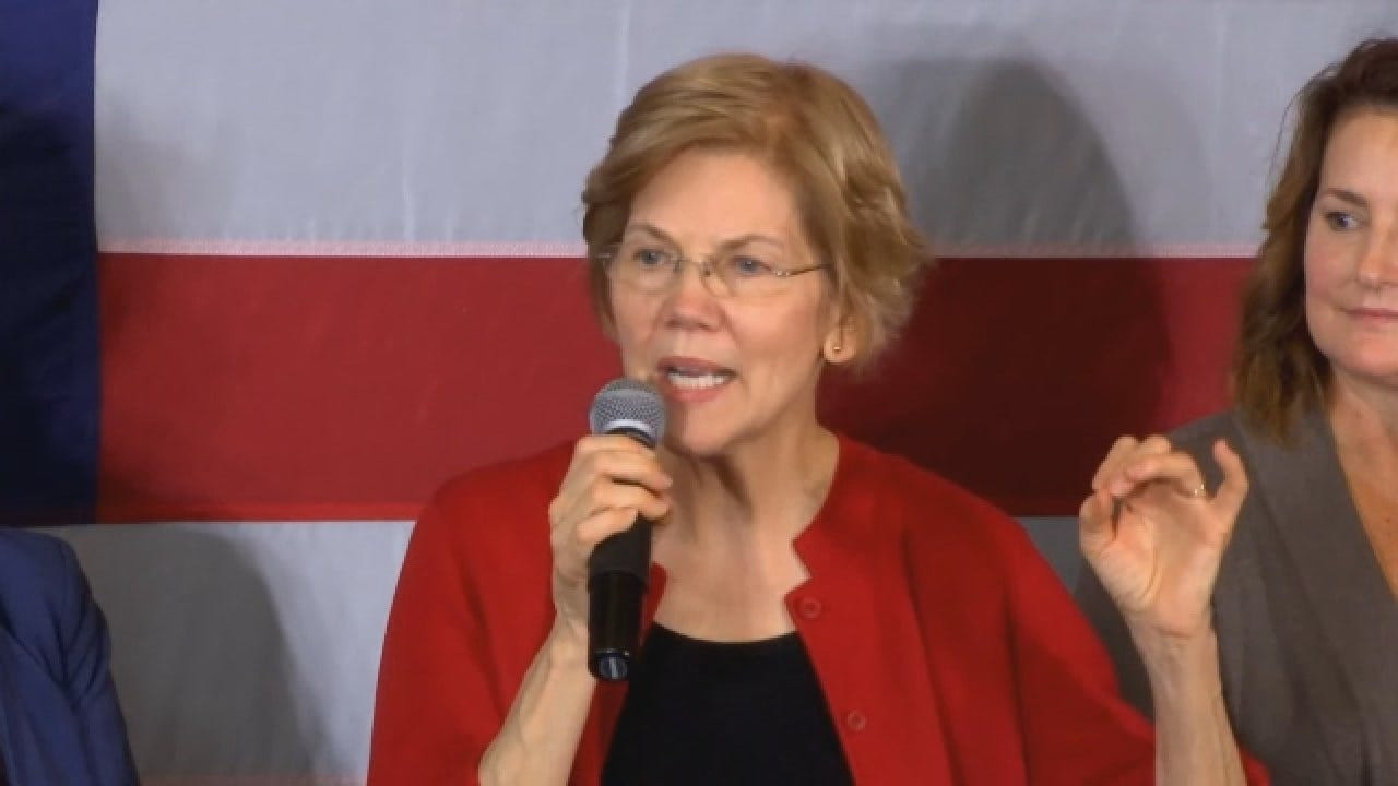 Elizabeth Warren Makes Her Iowa Debut