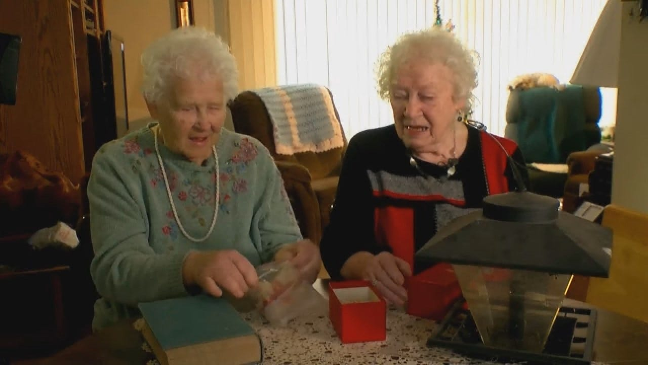 Sisters Exchange Same Fruitcake Every Christmas For Nearly 70 Years