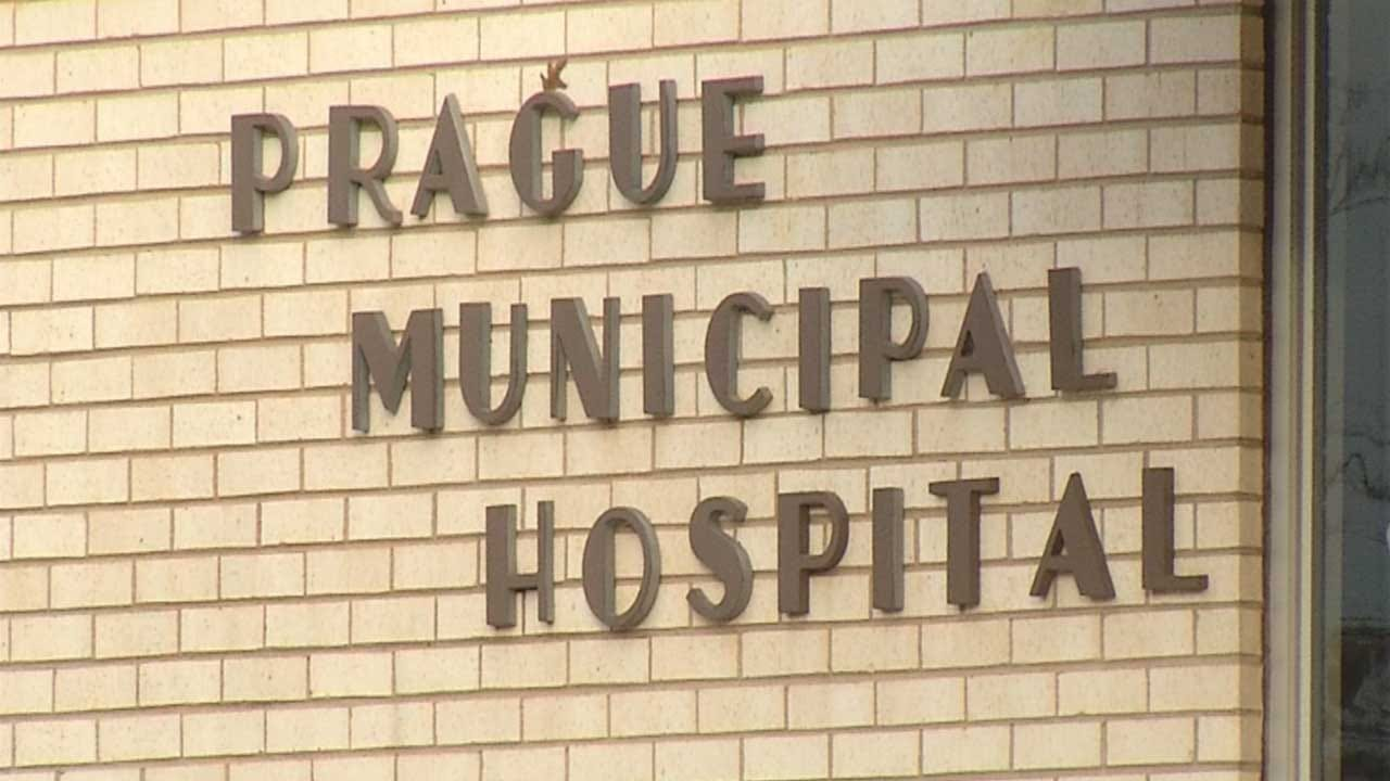 Prague Hospital Employees Receive Paychecks After Financial Troubles