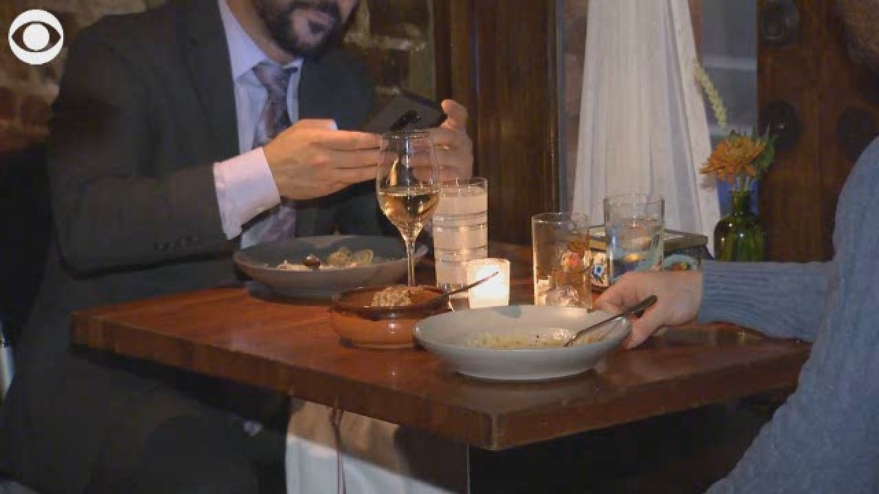 Restaurants Nationwide Getting Fed Up With Cell Phones