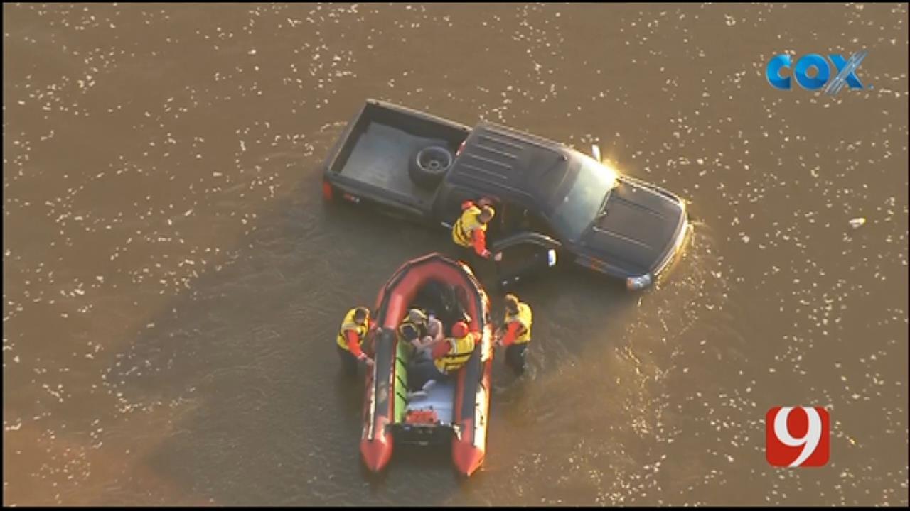 Bob Mills SkyNews 9 Flies Over A Pickup Stuck In A River In NE OKC