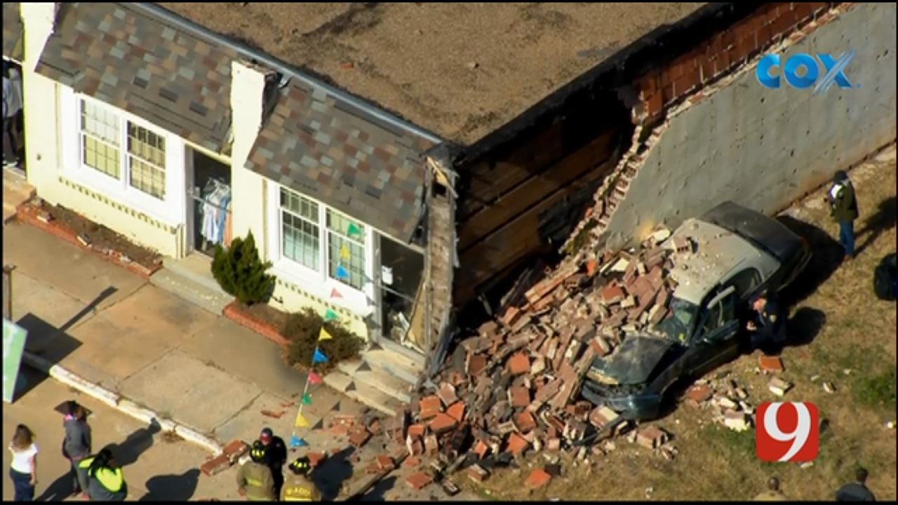 Bob Mills SkyNews 9 Flies Over After A Car Crashed Into A NE OKC Building