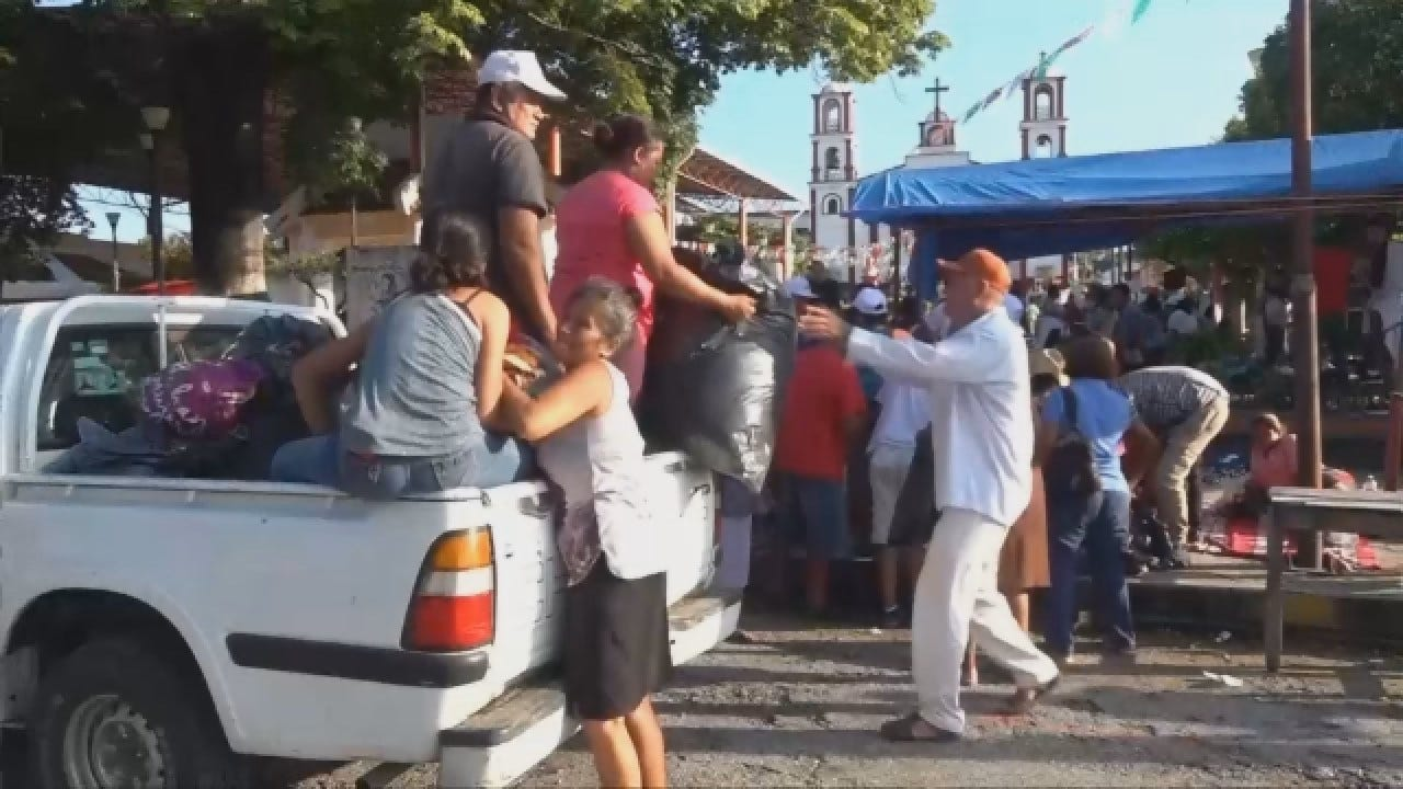 Raw Video: Migrants Headed Toward United States Border