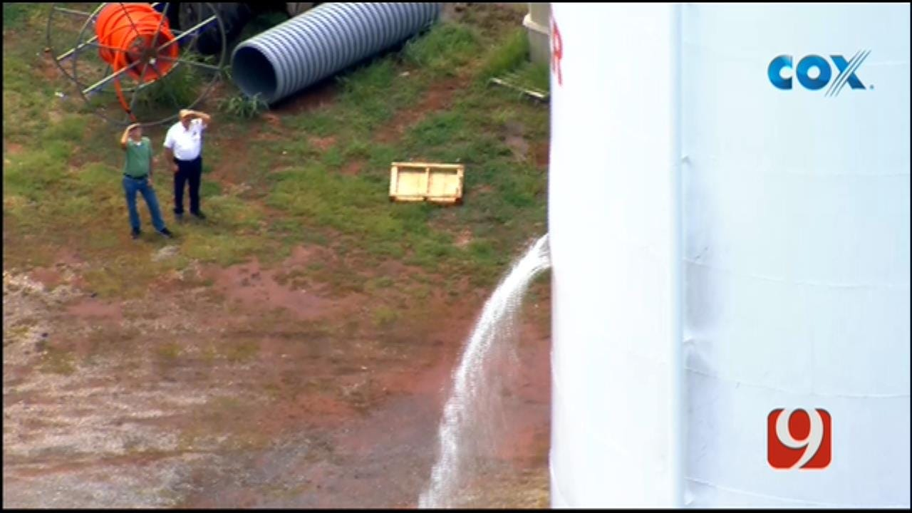 Bob Mills SkyNews 9 Flies Over Leaking Water Tower In Tuttle