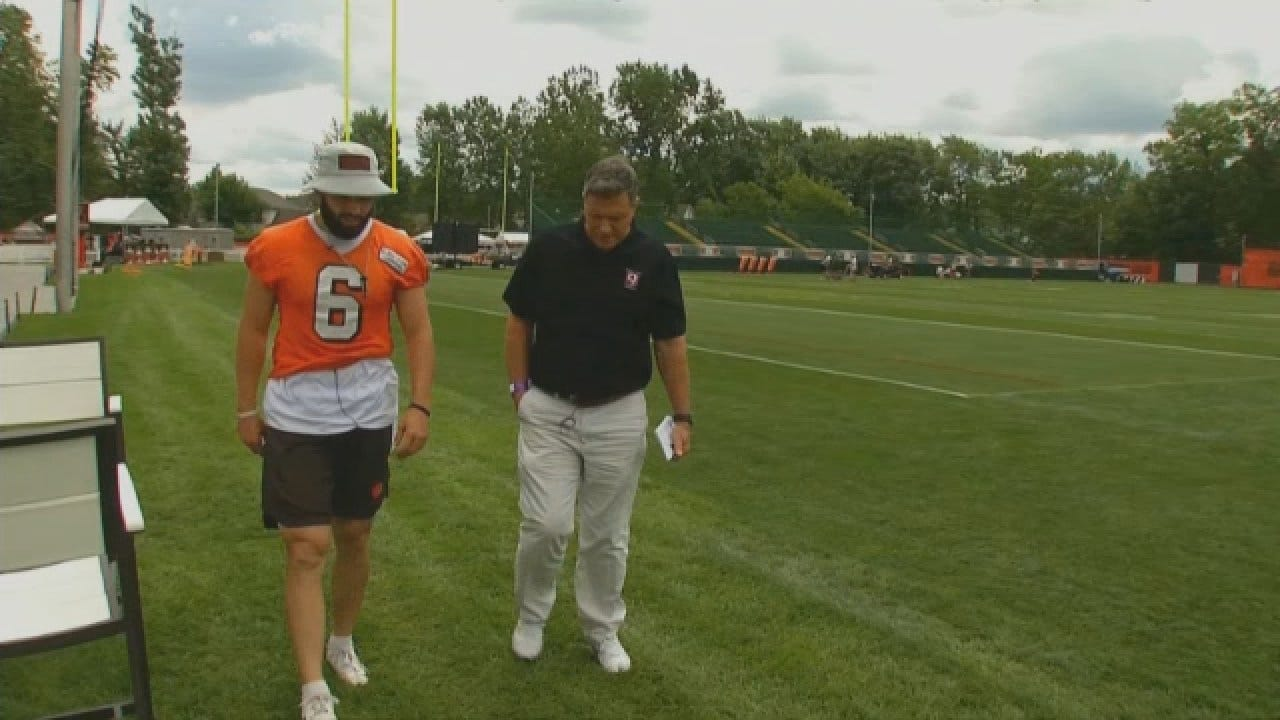 Dean Goes 1-On-1 With Baker Mayfield In Cleveland