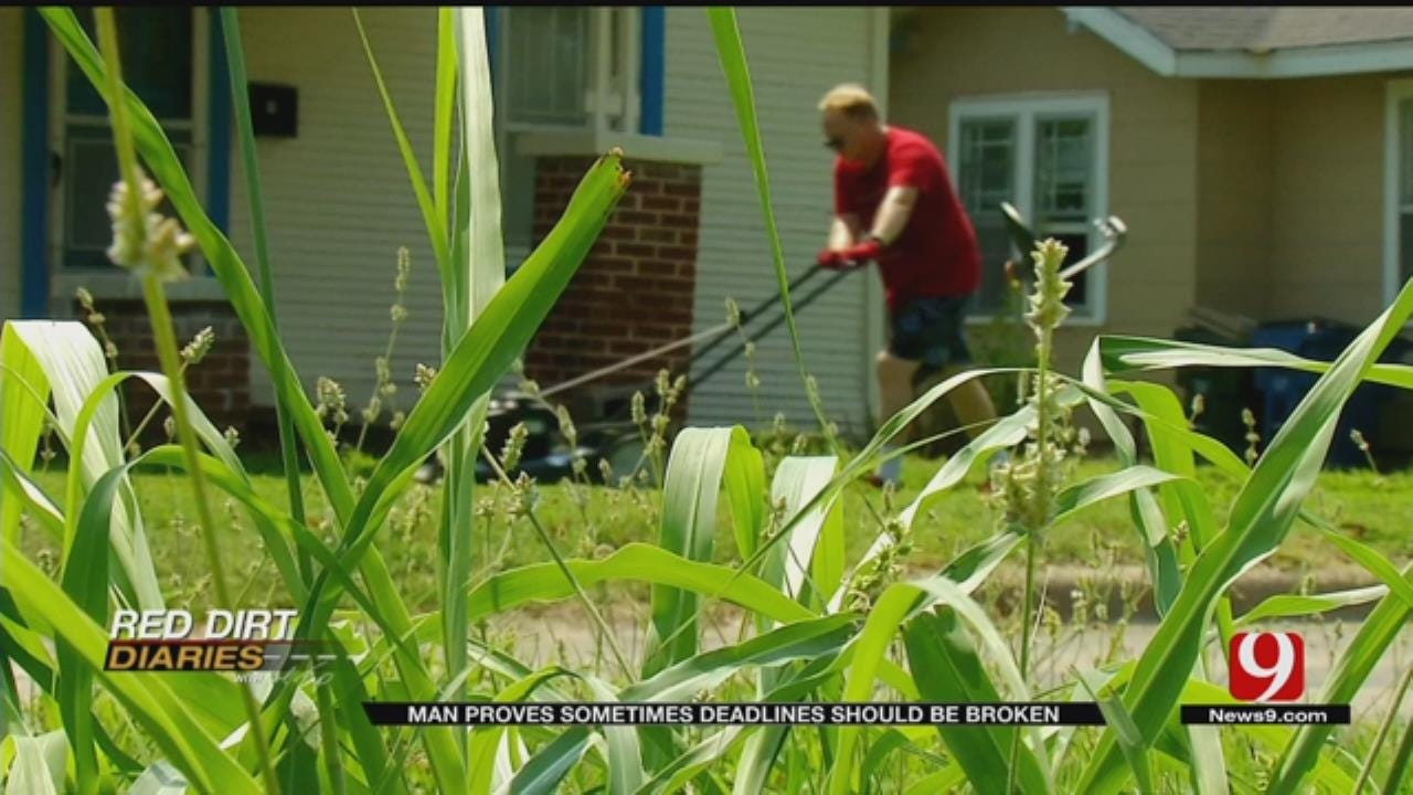 Red Dirt Diaries: Chickasha Man Cuts Grass For Free