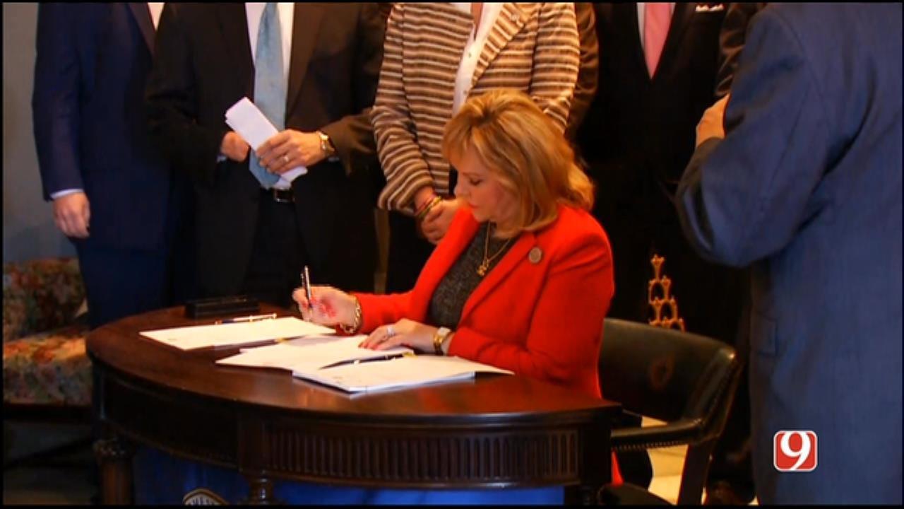 WEB EXTRA: Fallin Signs Historic Bill For Teacher Pay Raises