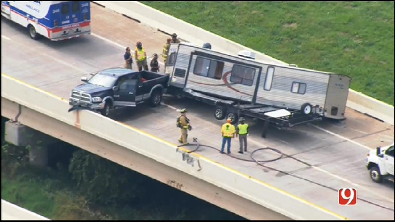 WEB EXTRA: SkyNews 9 Flies Over Single-Vehicle Crash On SB Kilpatrick