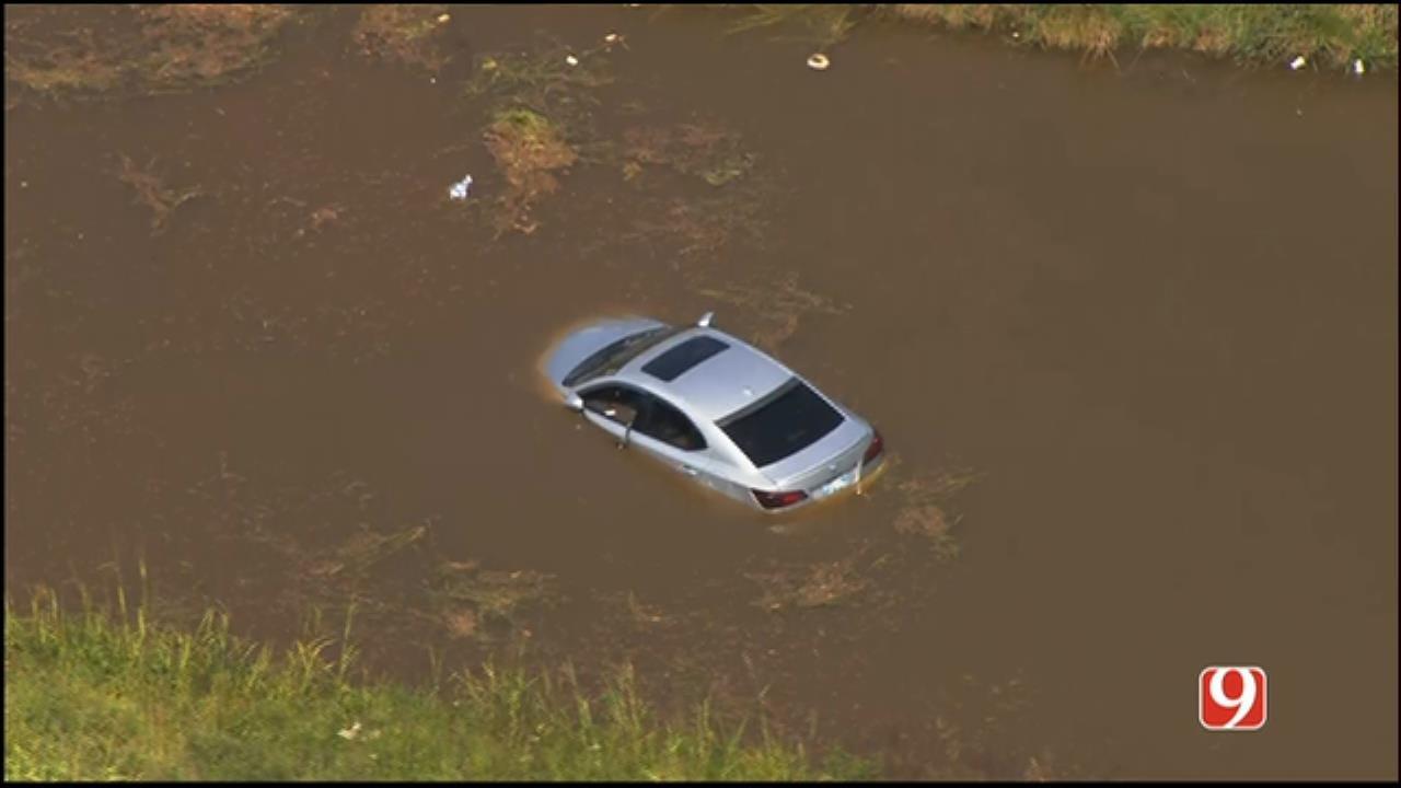 WEB EXTRA: SkyNews 9 Flies Over Vehicle Crashed Into Oklahoma River