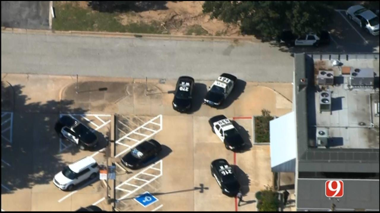 WEB EXTRA: SkyNews 9 Flies Over Bank Robbery Investigation In NW OKC