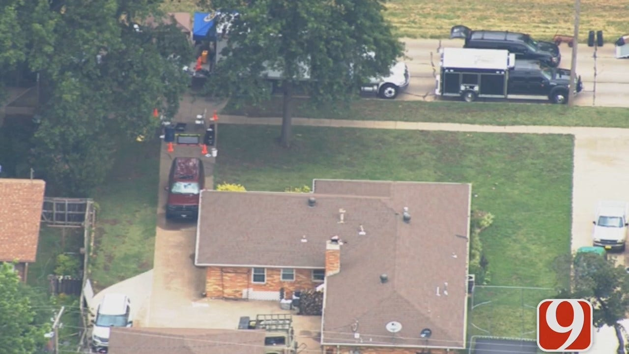 Federal Search Warrant Being Served In Ponca City Neighborhood