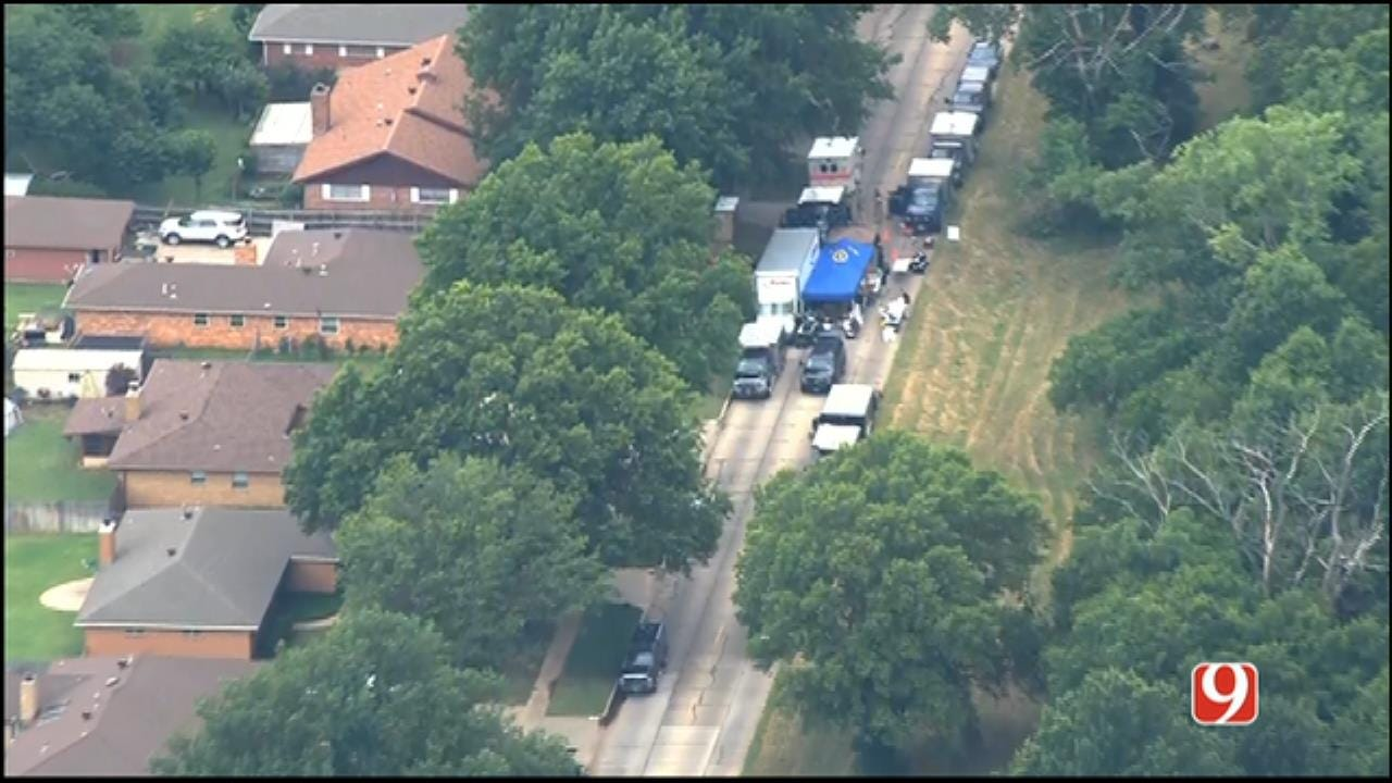WEB EXTRA: SkyNews 9 Flies Over Warrant Search In Ponca City